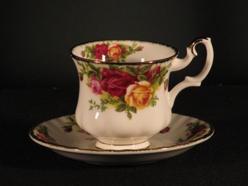 Juego 6 tazas caf o c r royal albert tadeval for Juego tazas cafe